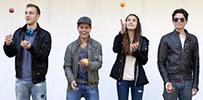 Jugendliche beim Jonglieren