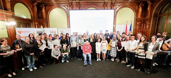 Gruppenfoto aller PreisträgerInnen