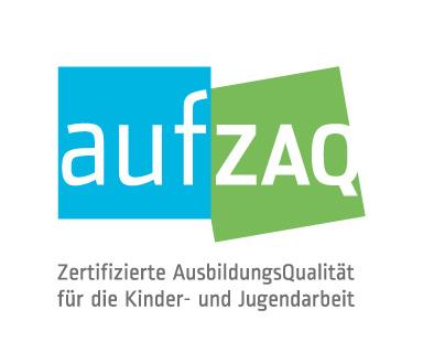 """Logo """"AufZaq"""" - weißer Schriftzug in blauem und grünem Feld"""