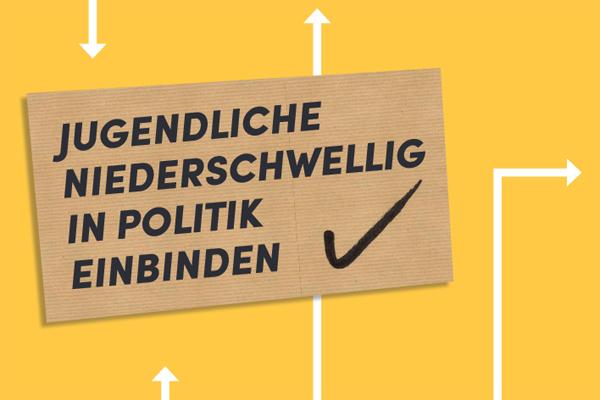 """Titelbild des Folders mit Schriftzug """"Jugendliche niederschwellig in Politik einbinden"""""""